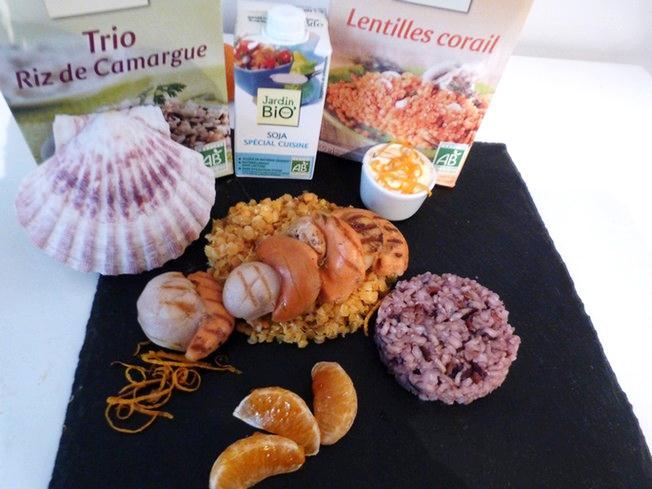 Saint-Jacques des Charentes rôties sur lit de lentilles corail et trio de riz, sauce de soja à la clémentine bio