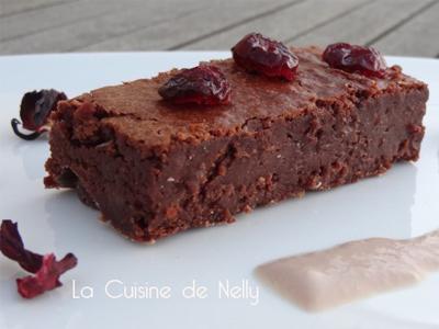 Fondant au Chocolat noir Cranberries et Crème anglaise parfumée à l'Hibiscus