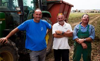 Sergio producteur de tomates bio pour Jardin BiO étic