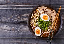 Image de la recette de nouilles udon shiikate et porc grillé au sésame